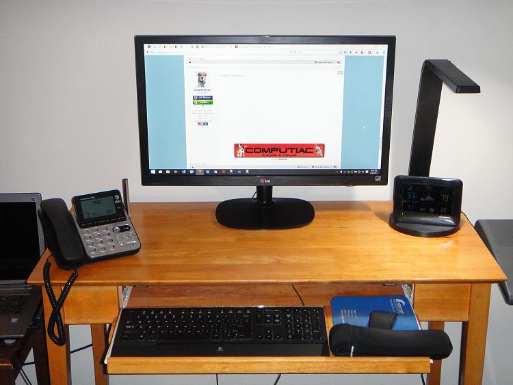 Show Us Your Command Centre-dsc00158-1.jpg