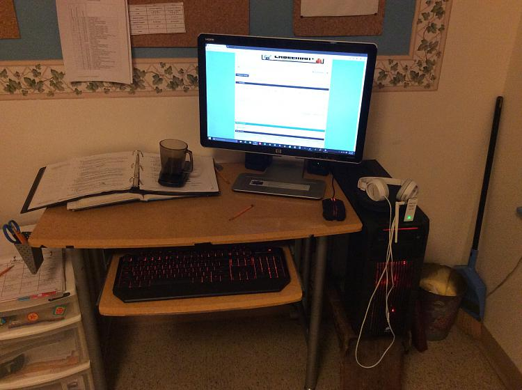 Show Us Your Command Centre-img_0639.jpg