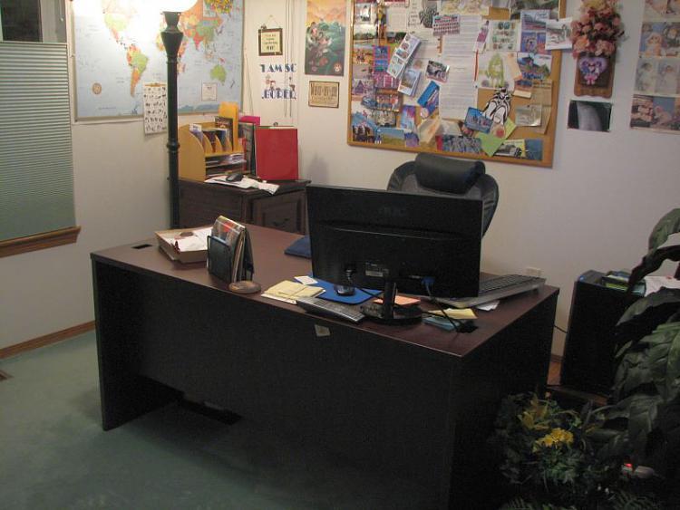 Show Us Your Command Centre-office-set-up-best.jpg