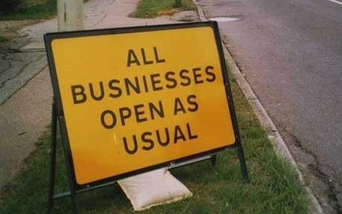 Grammar, Spelling and Punctuation Fails-road-signs-mistakes-17.jpg