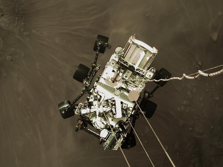The Space Stuff thread-roverdrop.jpg