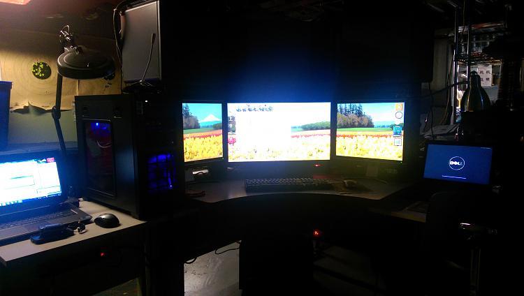 Show us your desk!-imag00261.jpg