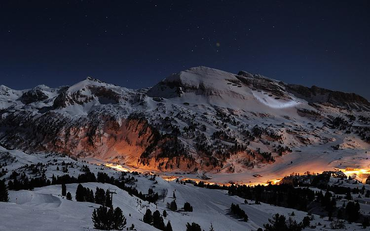 Click image for larger version.  Name:snowy-mountain-night-hd-wallpaper-for-iphone-l0s.jpg Views:18 Size:472.2 KB ID:48334