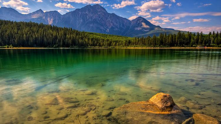 Click image for larger version.  Name:glurious-nature-lscape-hdr-225112.jpg Views:923 Size:414.3 KB ID:7243