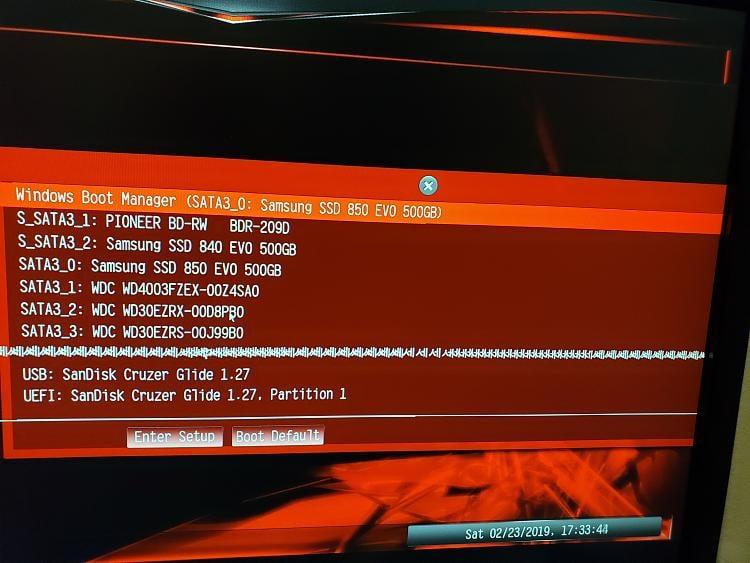 UEFI Boot Menu Solved - Windows 10 Forums