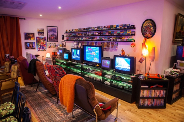 Click image for larger version.  Name:this-retro-game-room-is-something-out-of-a-dream-22-photos-14.jpg Views:23 Size:112.3 KB ID:56651
