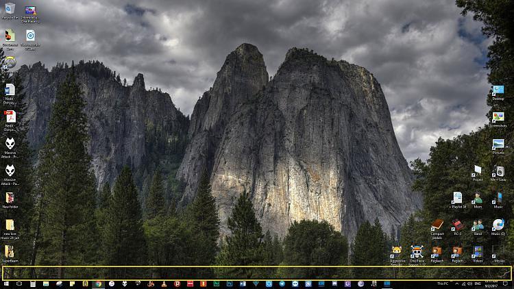 """Space between, """"Desktop Icons"""" and """"Windows toolbar""""-screenshot_511232.jpg"""