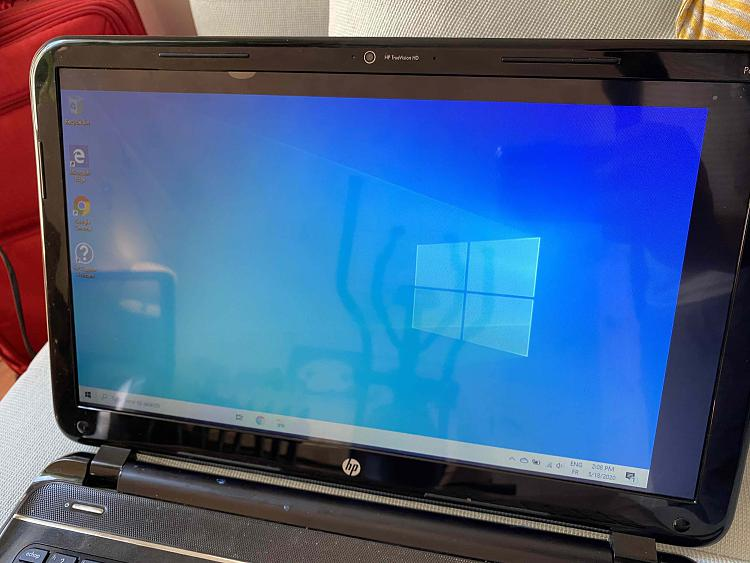 HP Pavilion Sleekbook: 1366x768 not detected under Windows 10-img_5098.jpg