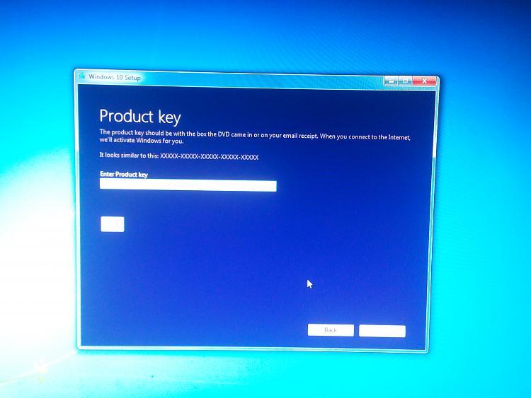 Windows 10 installation stuck at blue logo(no spinning dots) Solved