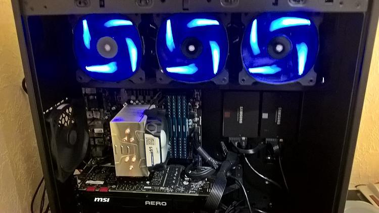 Show off your PC!-df888d89d1ab0757ad96fd023ab9f343e617e880b626bdb0f5-pimgpsh_fullsize_distr.jpg