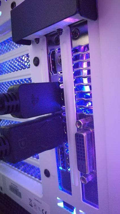 Show off your PC!-vert_gpu2.jpg