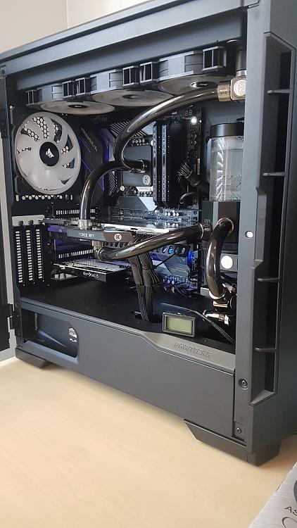 Show off your PC! - Page 55 - Windows 10 Forums