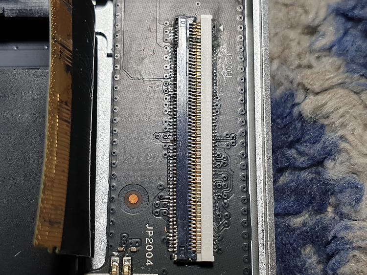 Lenovo Yoga 910-BSOD -after water spillage-Lights/fans working-20200329_144010.jpg