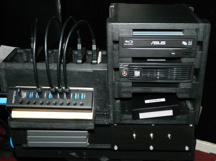 Show off your PC [2]-02-usb-hub.jpg