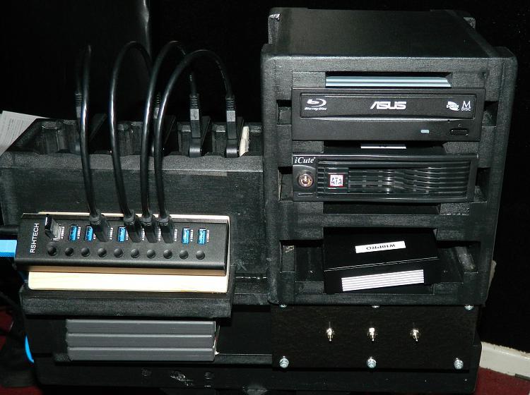 Show off your PC [2]-04-usb-hub.jpg