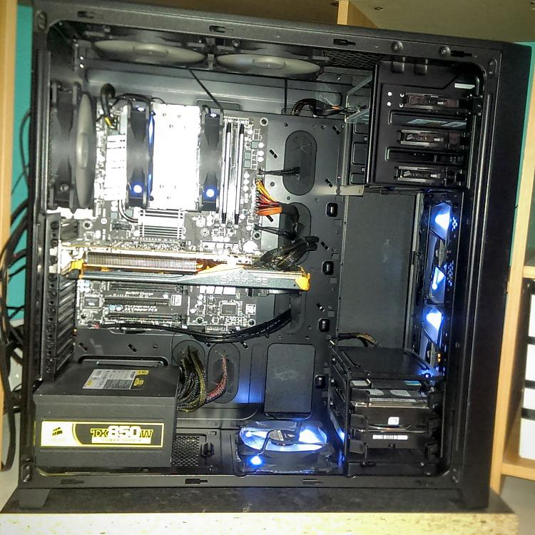 Show off your PC!-case-3.jpg