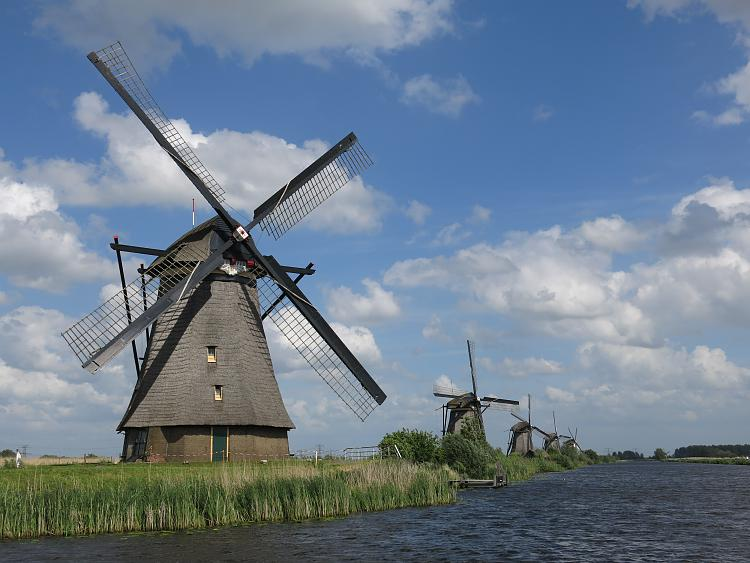 Click image for larger version.  Name:windmills.jpg Views:2 Size:2.25 MB ID:174783