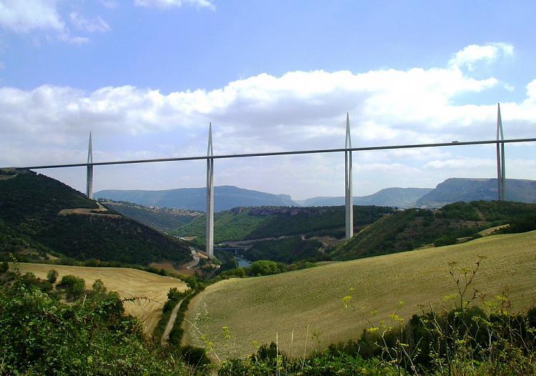 Click image for larger version.  Name:Bridge by Millau.JPG Views:93 Size:227.3 KB ID:9854